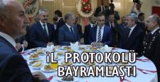 Karabük'te il protokolü bayramlaştı