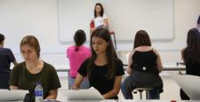 KBÜ'de öğrenciler müzik ve resim bölümleri için ter döküyor