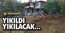 Temel kazısı yüzünden iki katlı evde yıkılma tehlikesi
