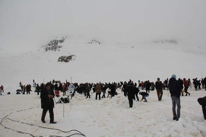 4. Ovit Kar Şenliği 2 Bin 640 Rakımlı Ovit Yaylası'nda Gerçekleştirildi