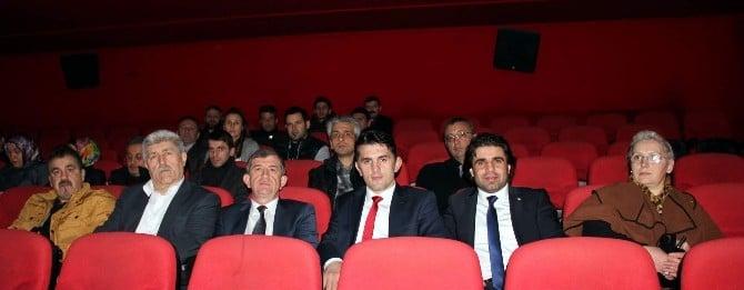AK Parti Trabzon İl Başkanı Revi Ve Partililer 'Kod Adı K.o.z.' Filmini İzledi