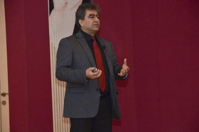 """Akkurt: """"Türkiye Nükleer Enerji İle Dışa Bağımlılıktan Kurtulabilir"""""""