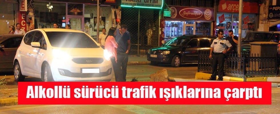 Alkollü Sürücü Trafik Işıklarına Çarptı